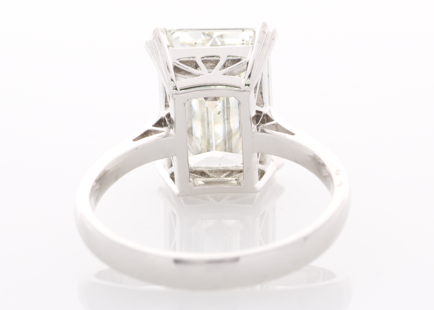 Lot 2 - 18ct White Gold Single Stone Prong Set Diamond Ring 5.86 Carats HRD I SI2