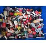 Large box of nail varnishes (many as new)