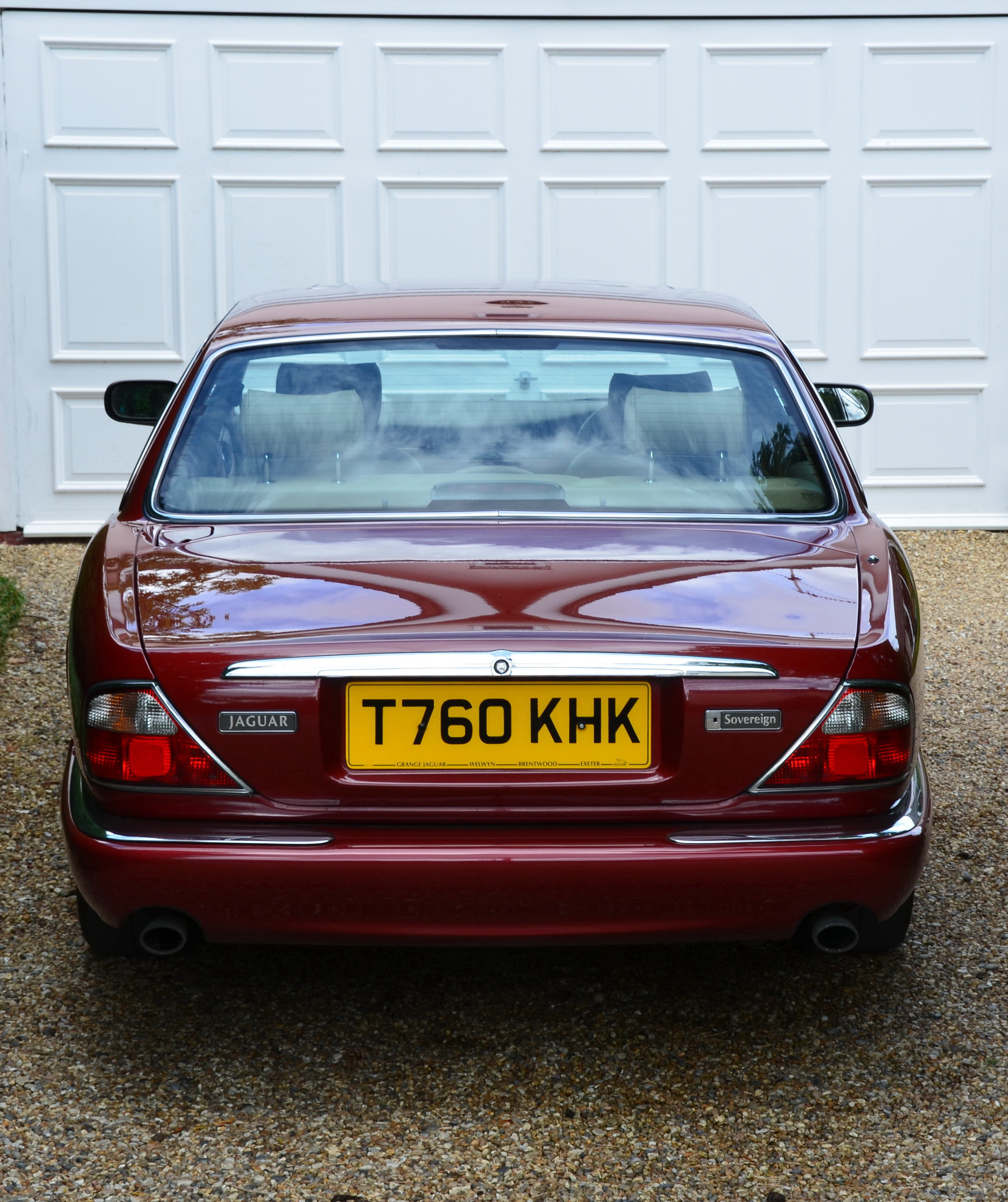 JAGUAR SOVEREIGN SWB 4.0 V8 Carnival Red With Cashmere