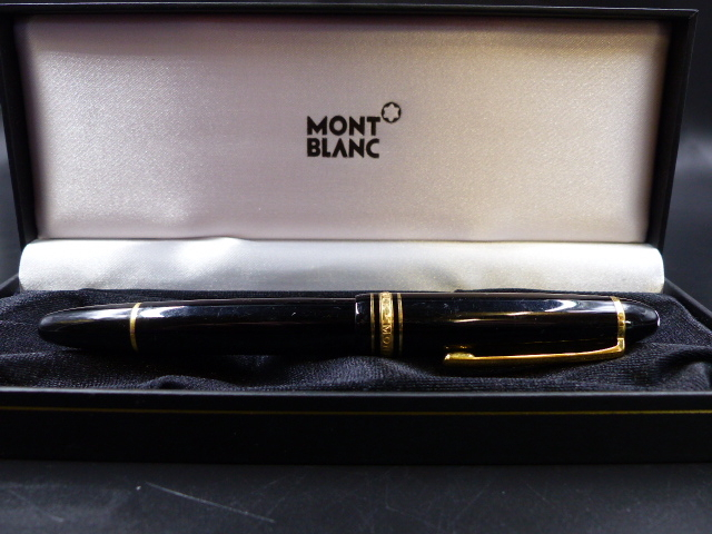 Lot 37 - A MONT BLANC MEISTERSTUCK FOUNTAIN PEN WITH A 14K GOLD 4810 NIB.