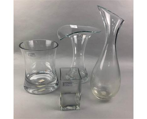 LOT OF THREE GLASS VASES, the tallest 29cm high, along with a carafe, and a resin lamp and shade
