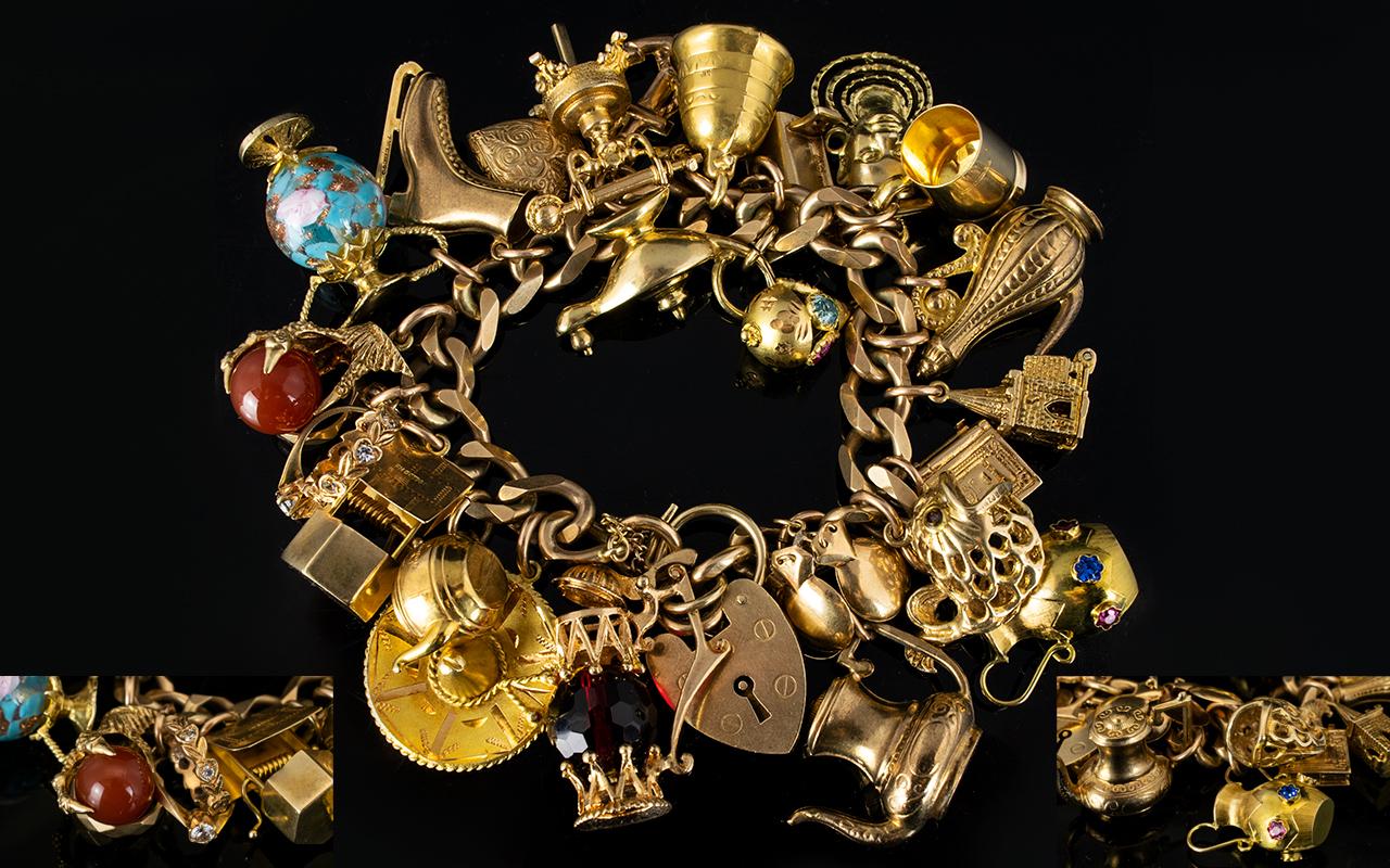 Lot 33 - Superb Quality 9ct Gold Curb Bracelet Lo