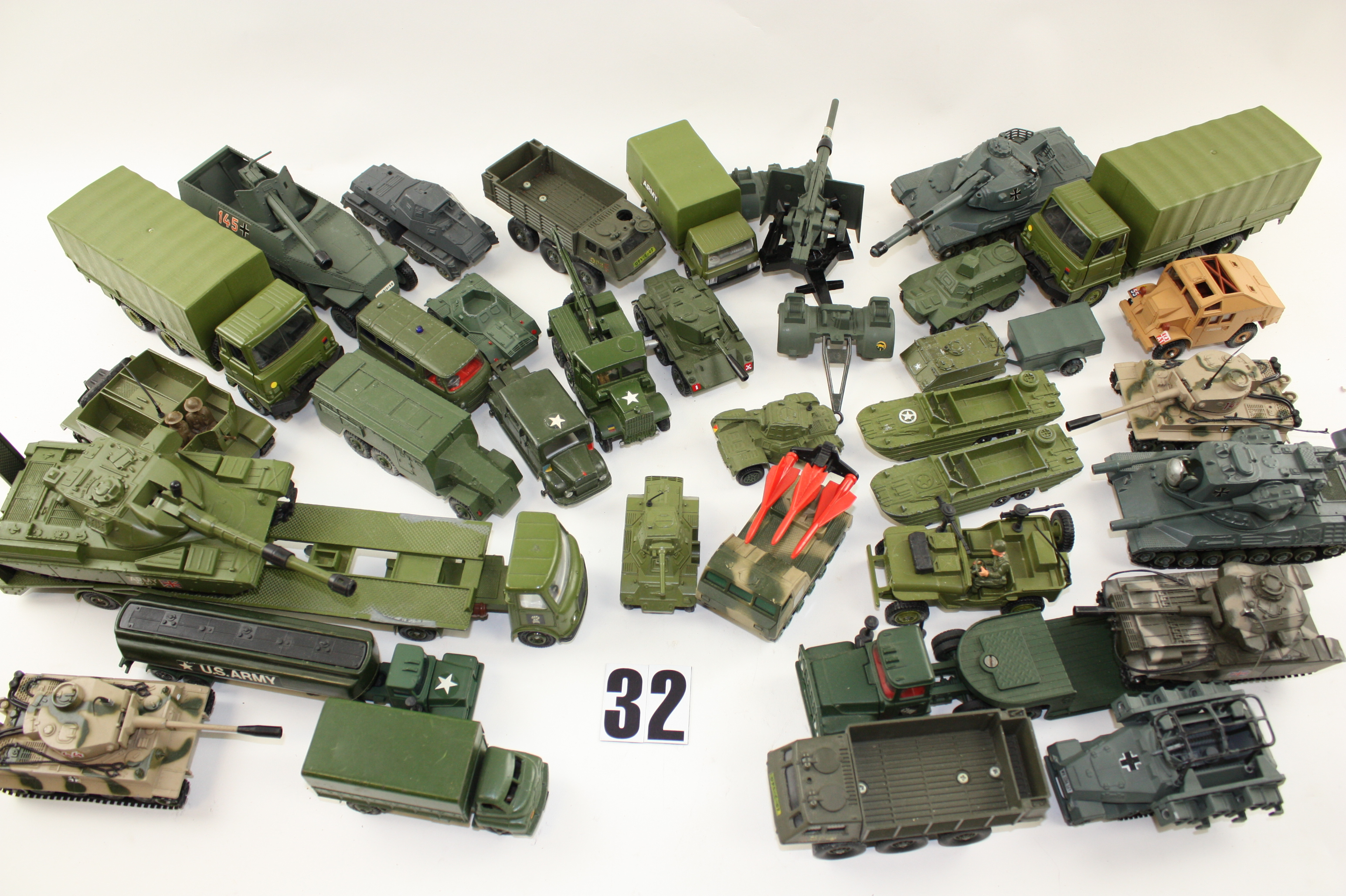 Late Dinky Toys Corgi and other makers Military Vehicles Dinky