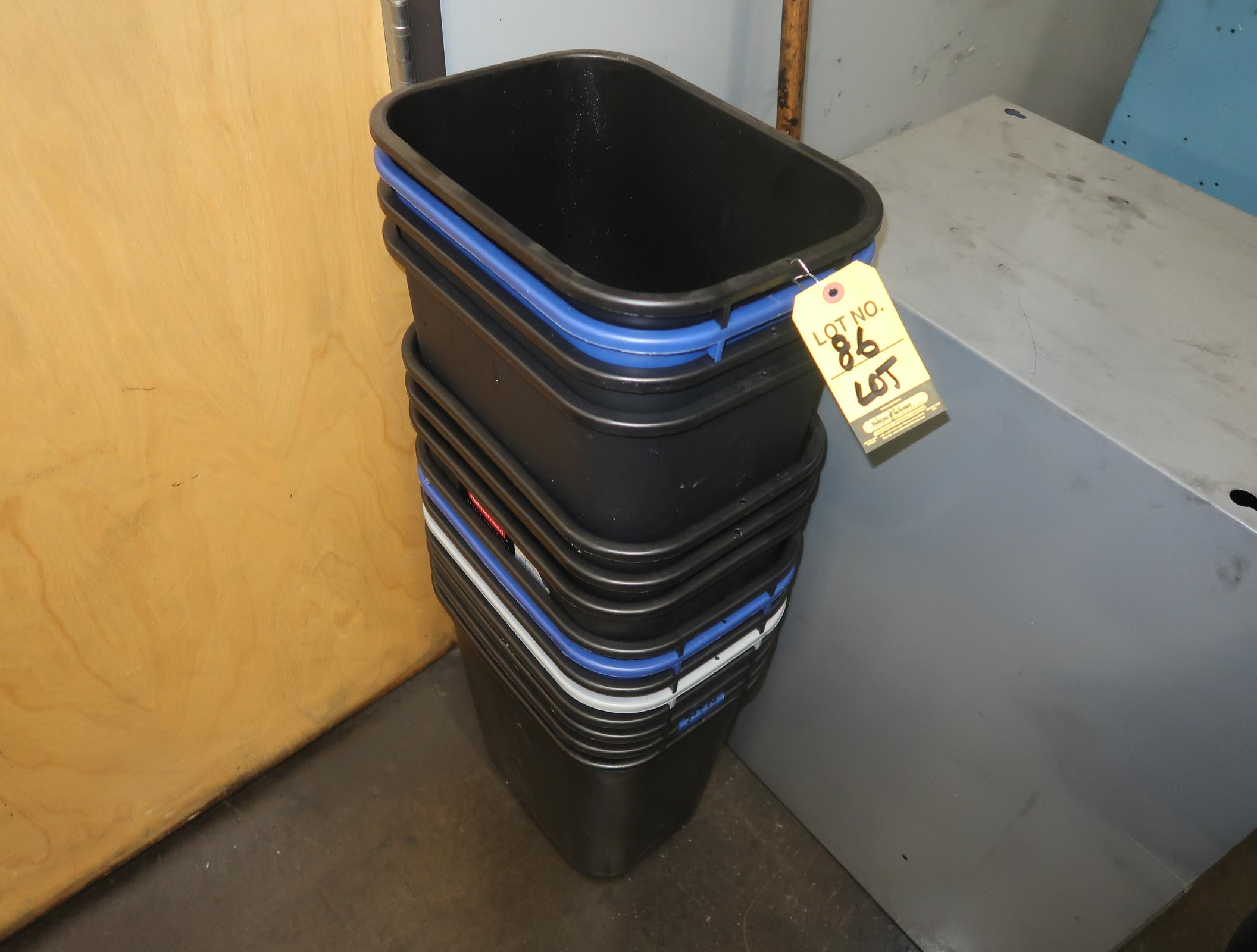 LOT TRASH CANS