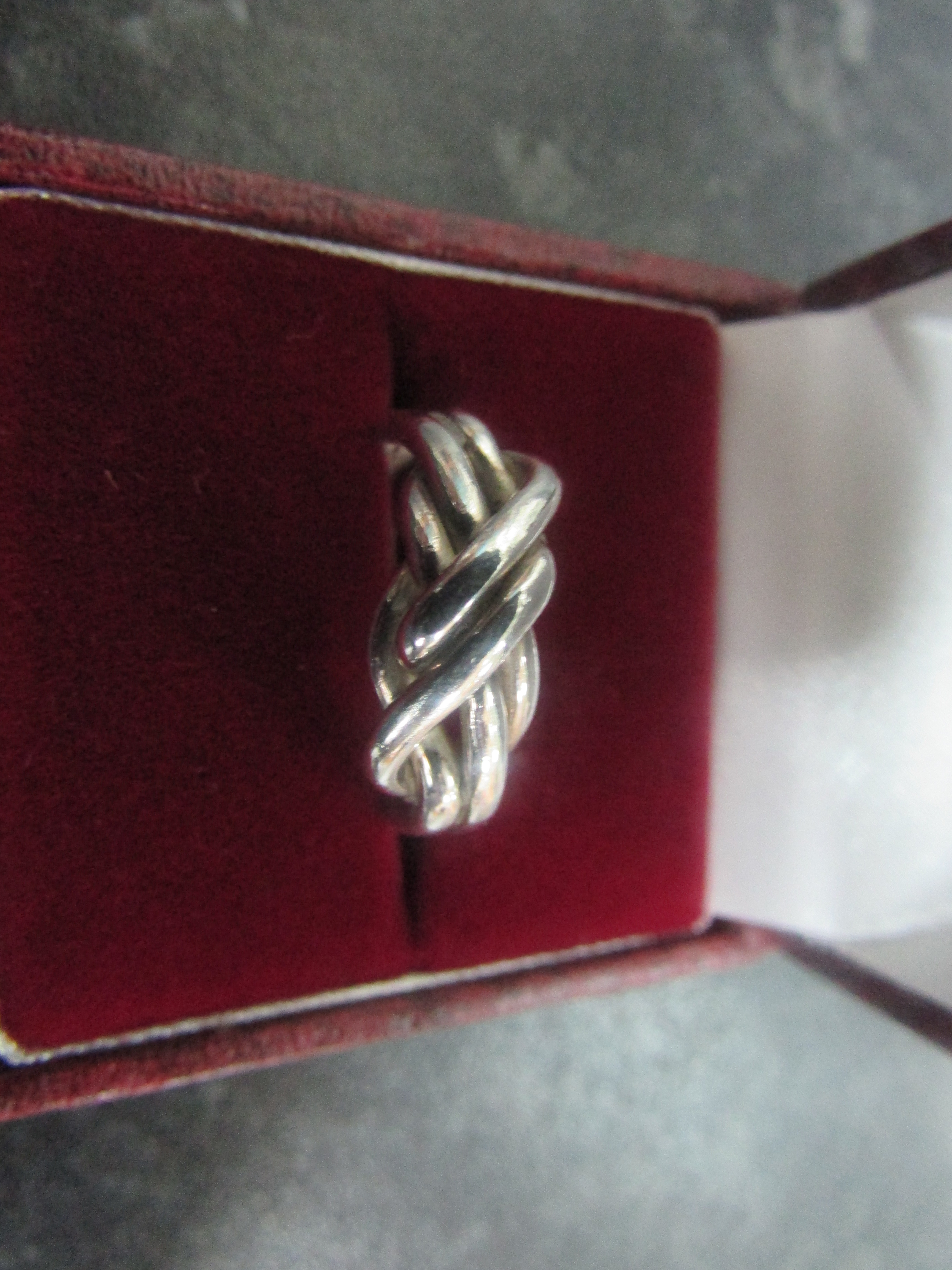 Lot 29 - 925 SILVER ROPE RING