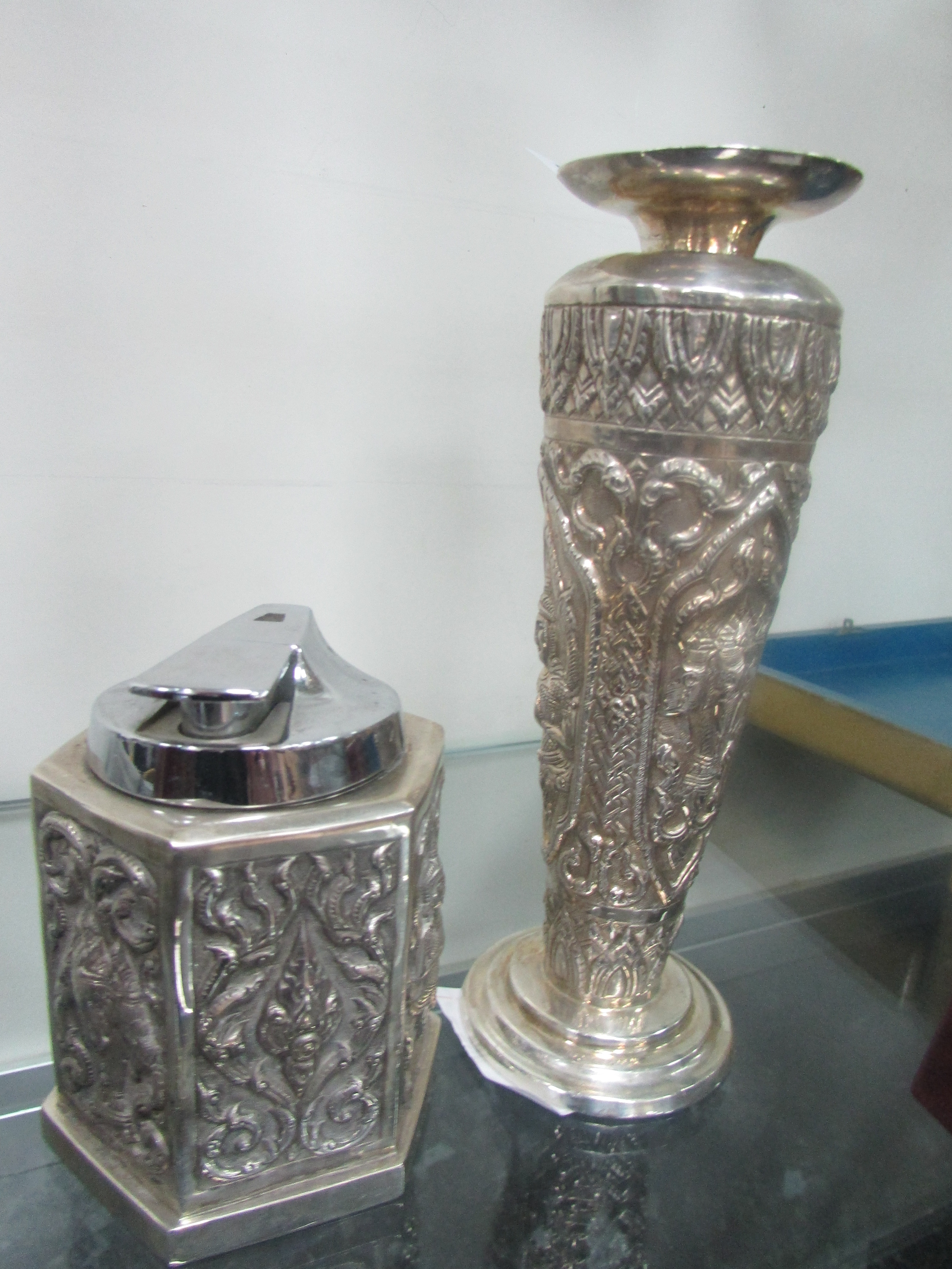 Lot 28 - Heavy Siamese silver vase and matching table lighter