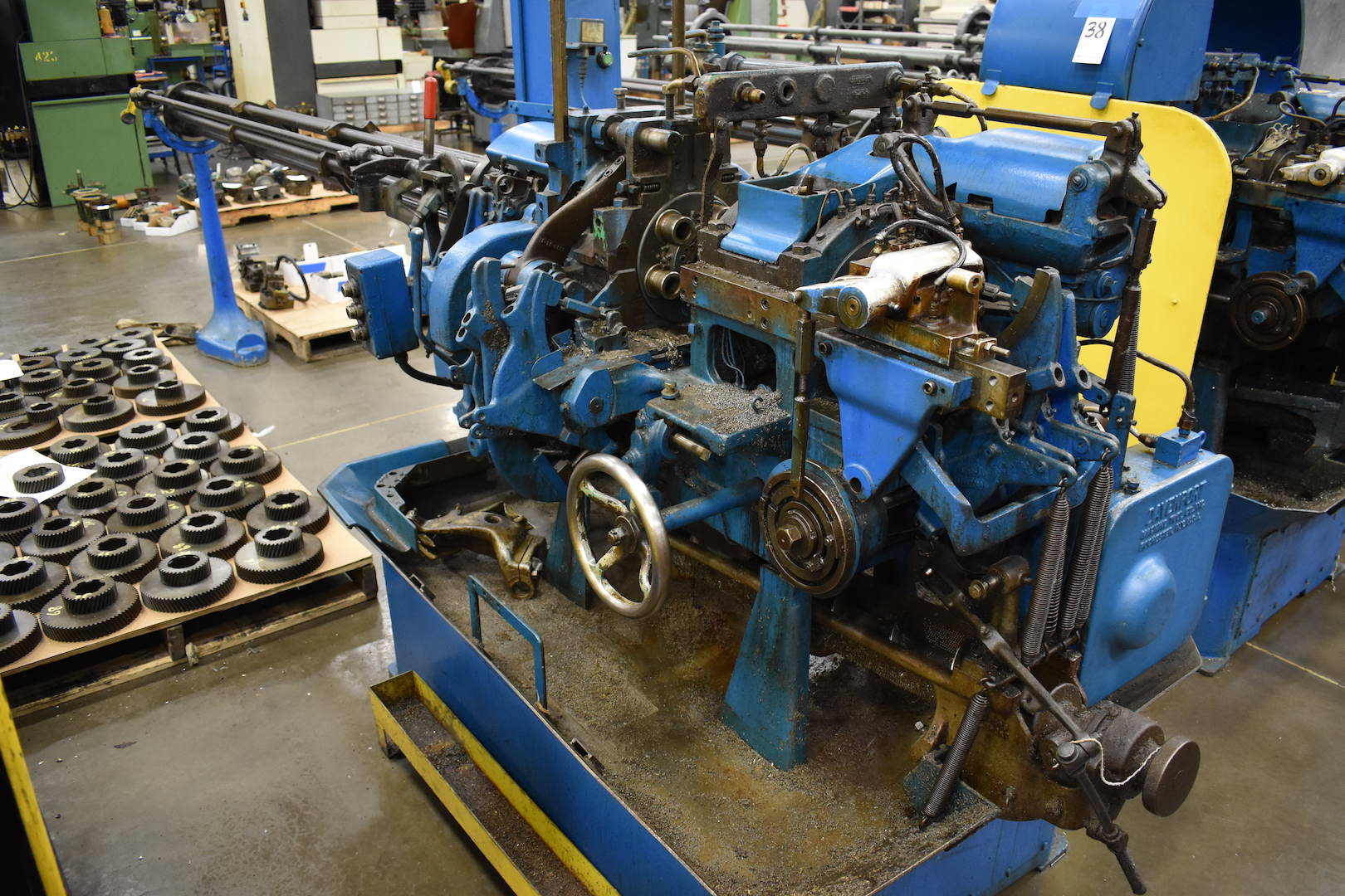 Lot 41 - DAVENPORT MODEL B OVERSIZE 5-SPINDLE AUTOMATIC SCREW MACHINE