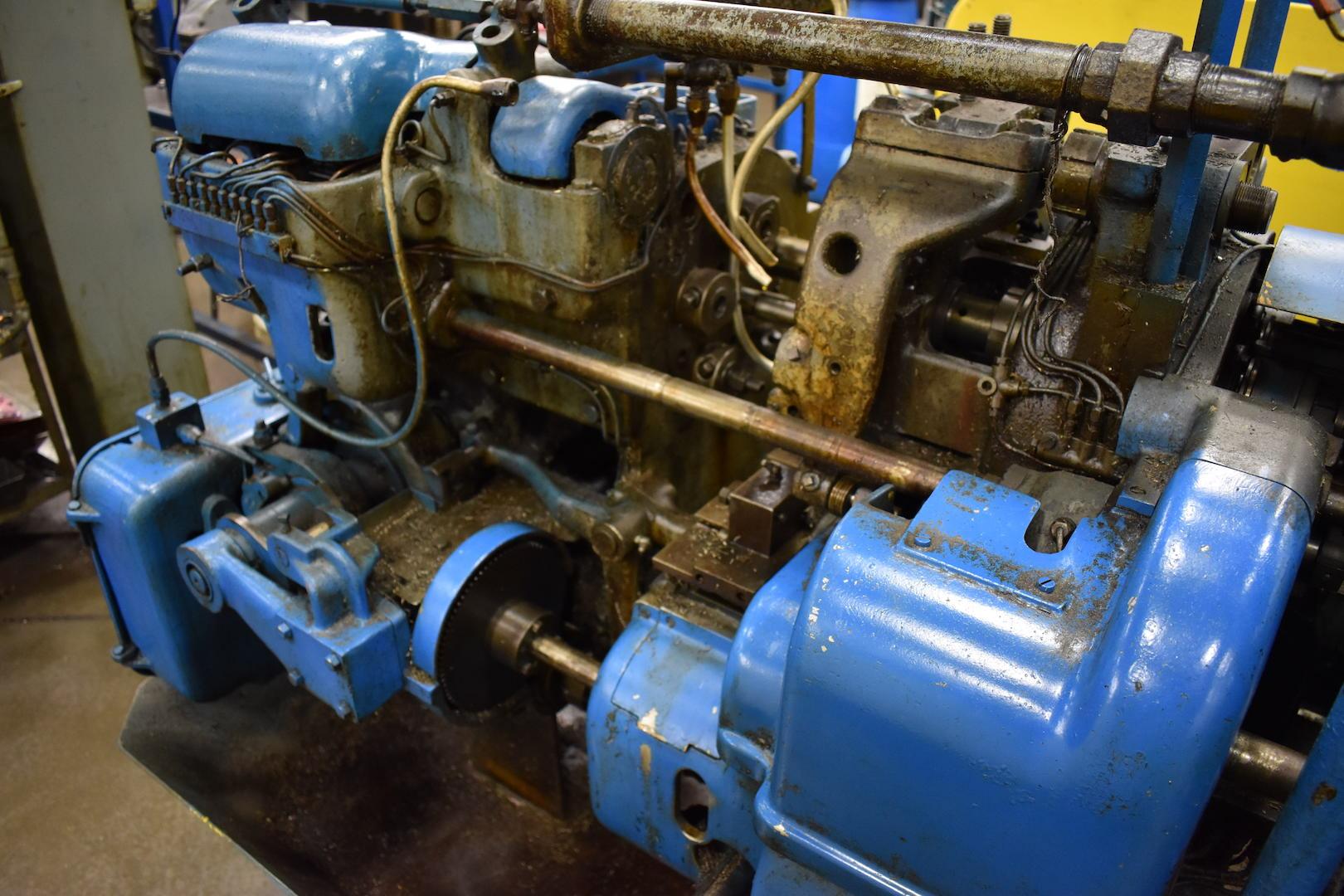 Lot 39 - DAVENPORT MODEL B OVERSIZE 5-SPINDLE AUTOMATIC SCREW MACHINE