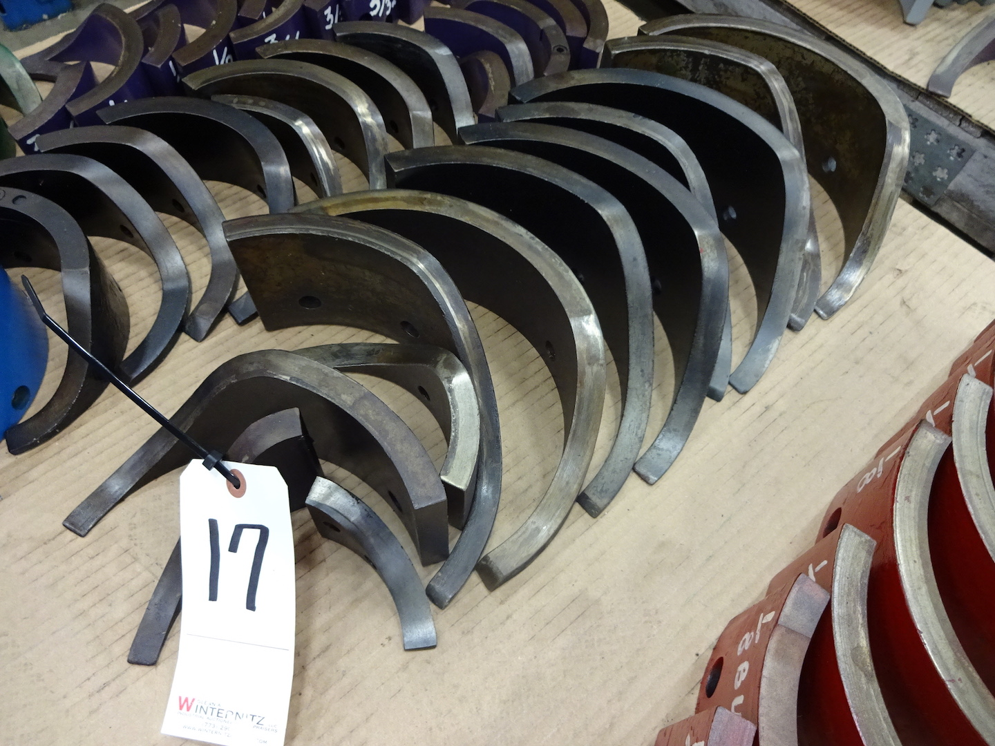 """Lot 17 - LOT - ASSORTED ACME 2-5/8"""" RB-8 CAMS"""