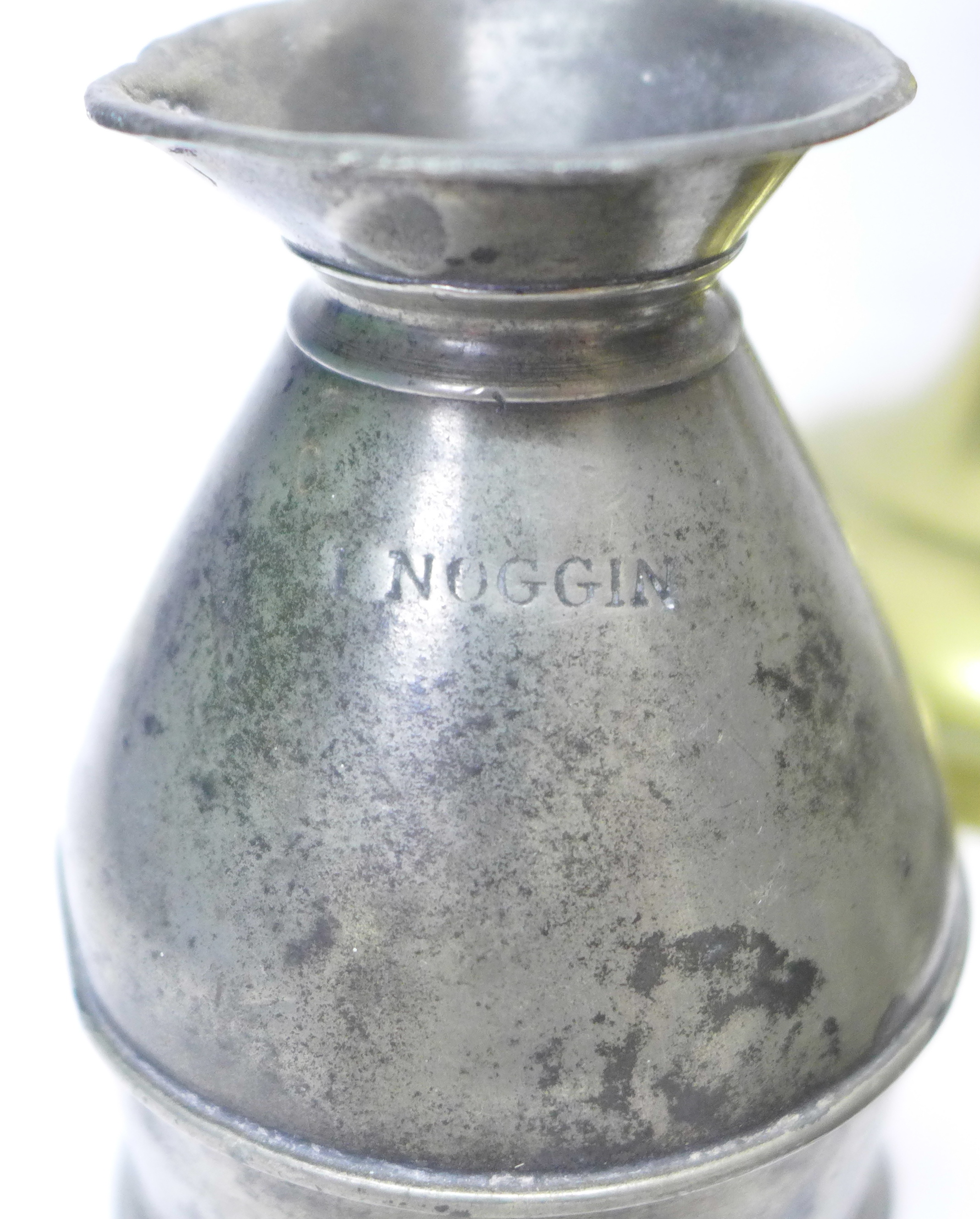 A pair of brass candlesticks, four measures and a 1 noggin measure in the form of a milk churn - Image 2 of 4