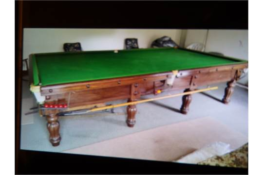 Cox and Yemen London full size snooker table with all cues etc in