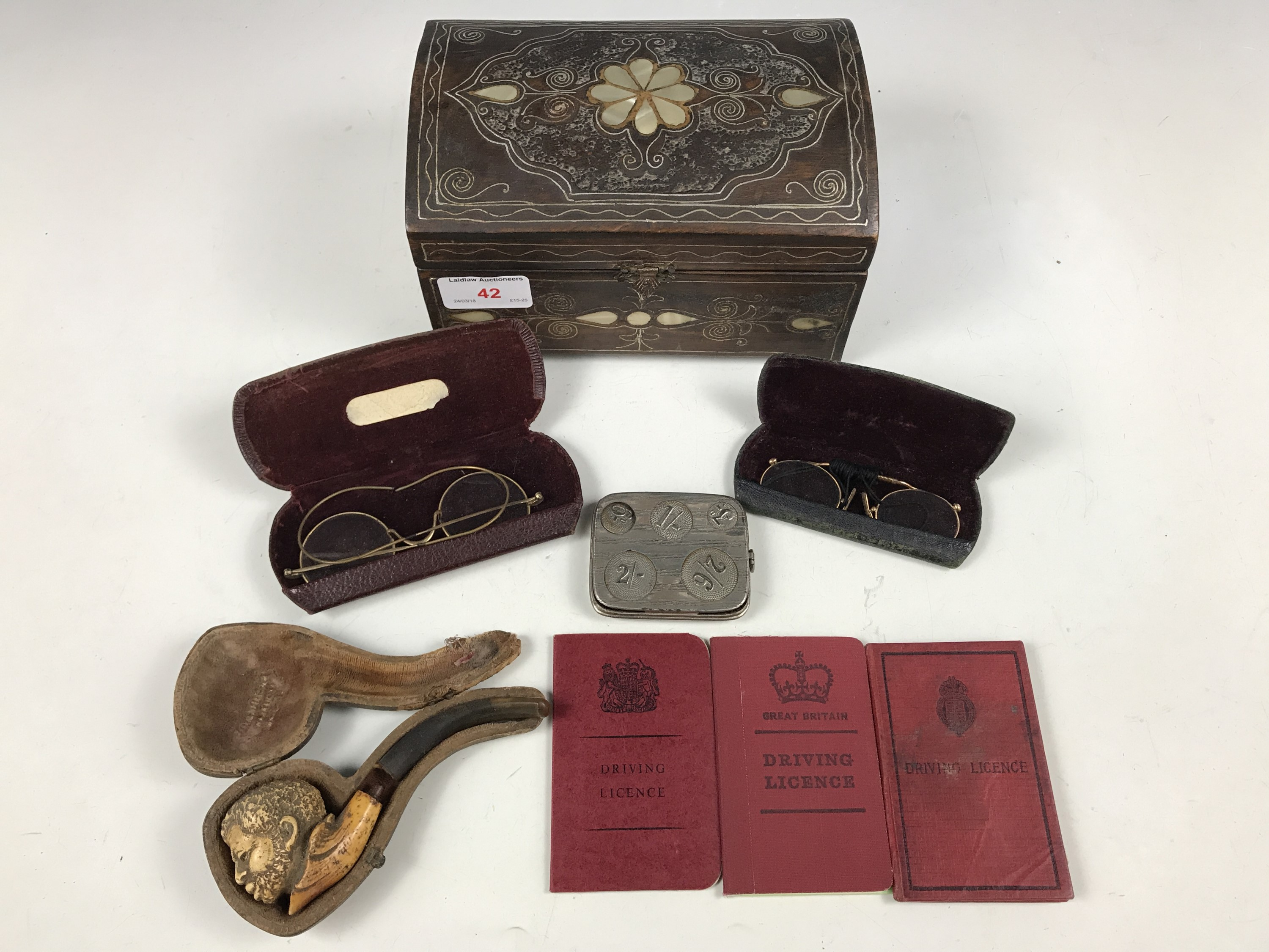 Lot 42 - Sundry collectors' items including a meerschaum pipe, two cased pairs of pince-nez and a coin holder