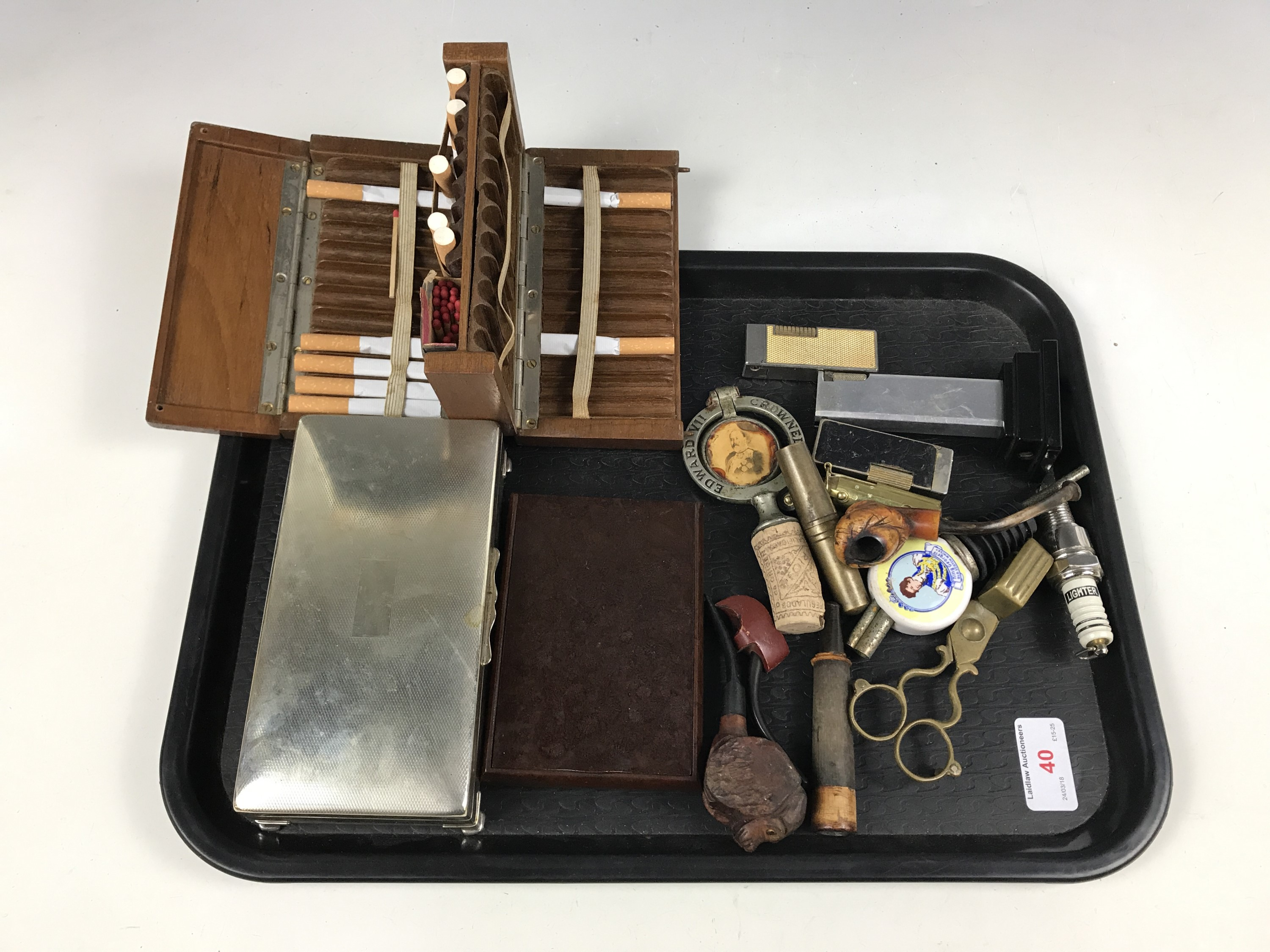 Lot 40 - Sundry collectors' items including commemorative bottle stoppers, a corkscrew set, meerschaum and