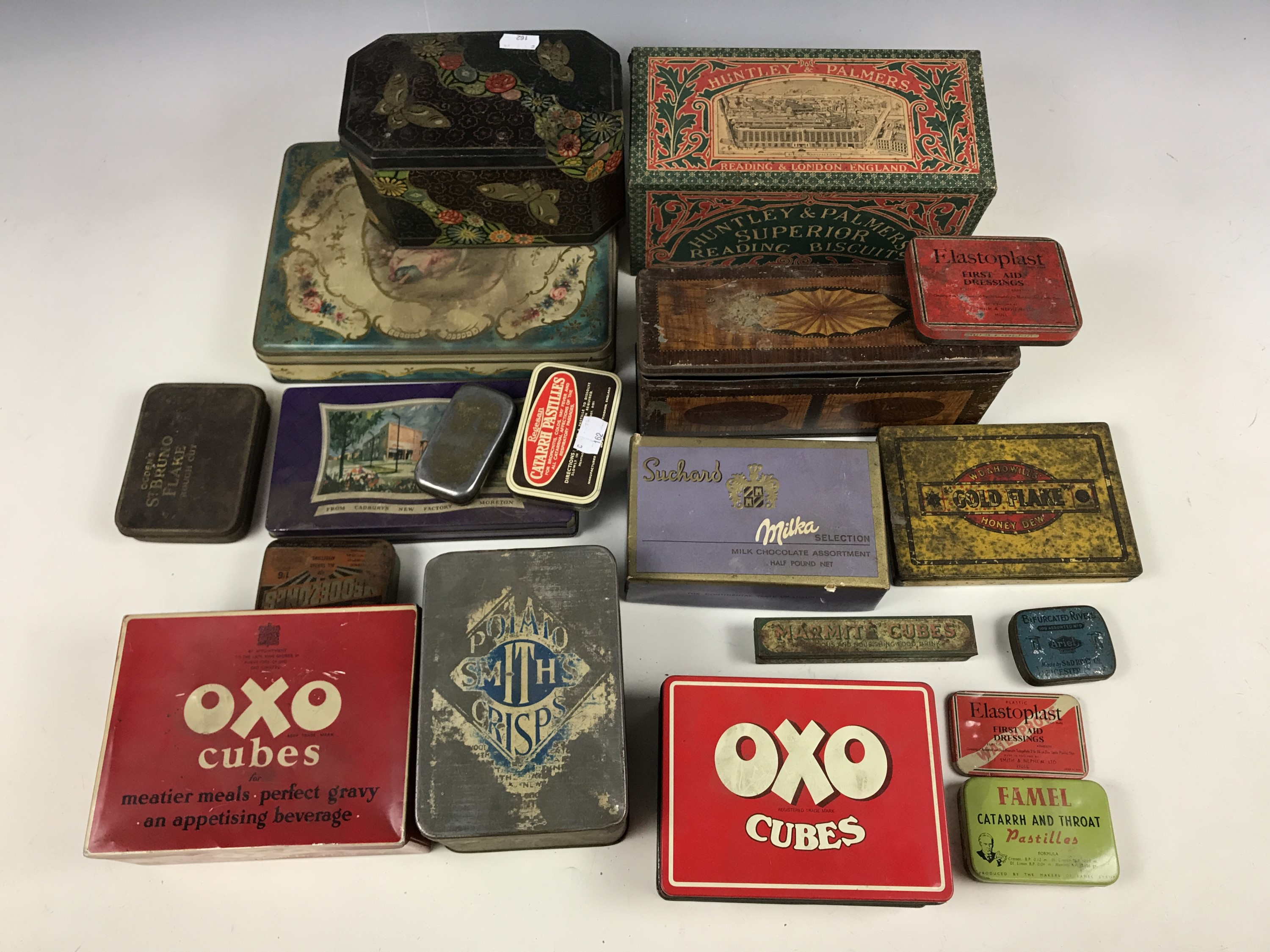 Lot 20 - A quantity of vintage tins and packaging including an early 20th Century Huntley and Palmers