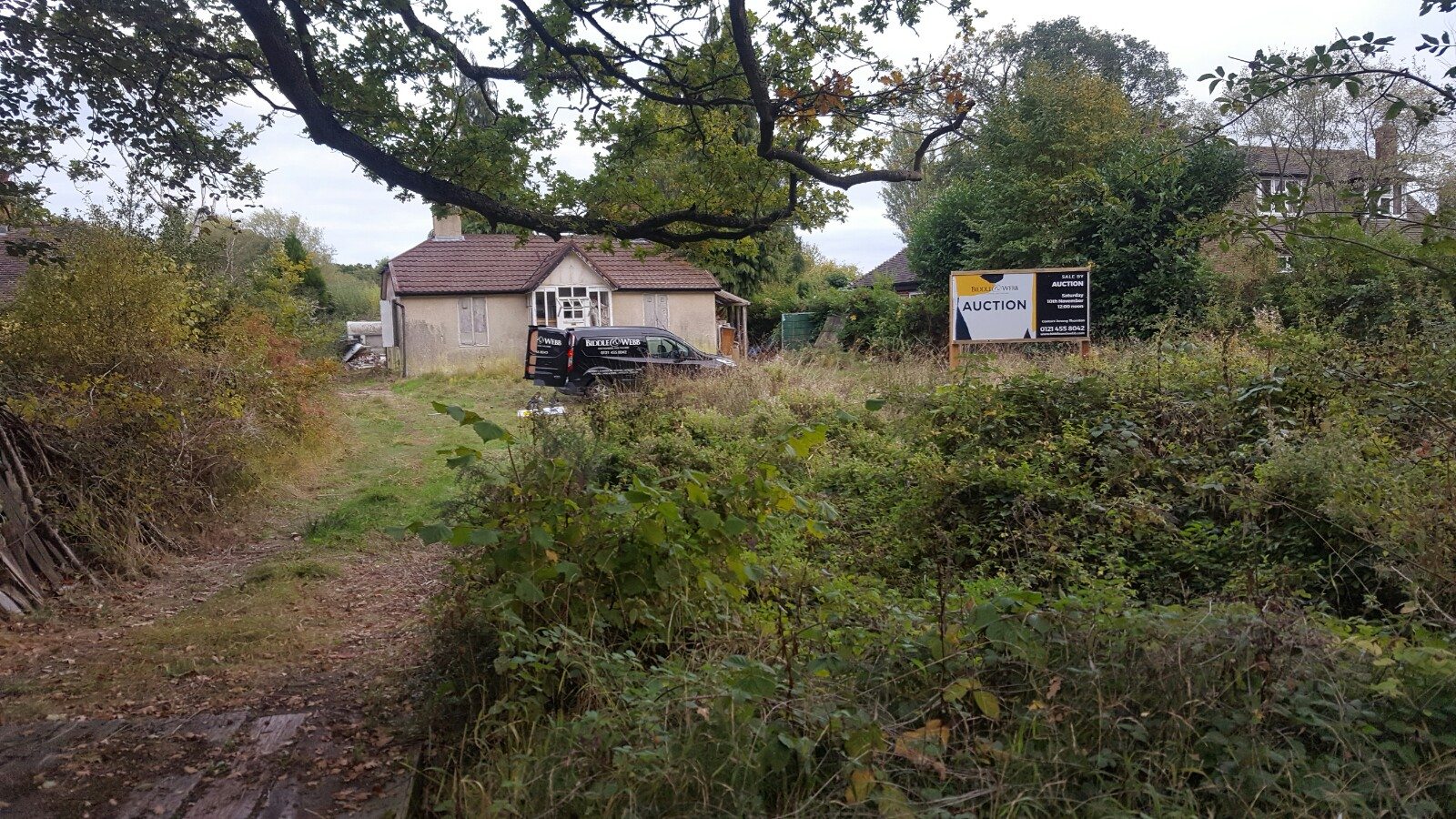 Lot 1 - To be sold by public auction on Saturday 10th November at 12noon. A development plot of freehold