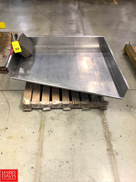 "Meyer Machine Vibratory Pan, 42"" x 36"" Rigging Fee: $75"
