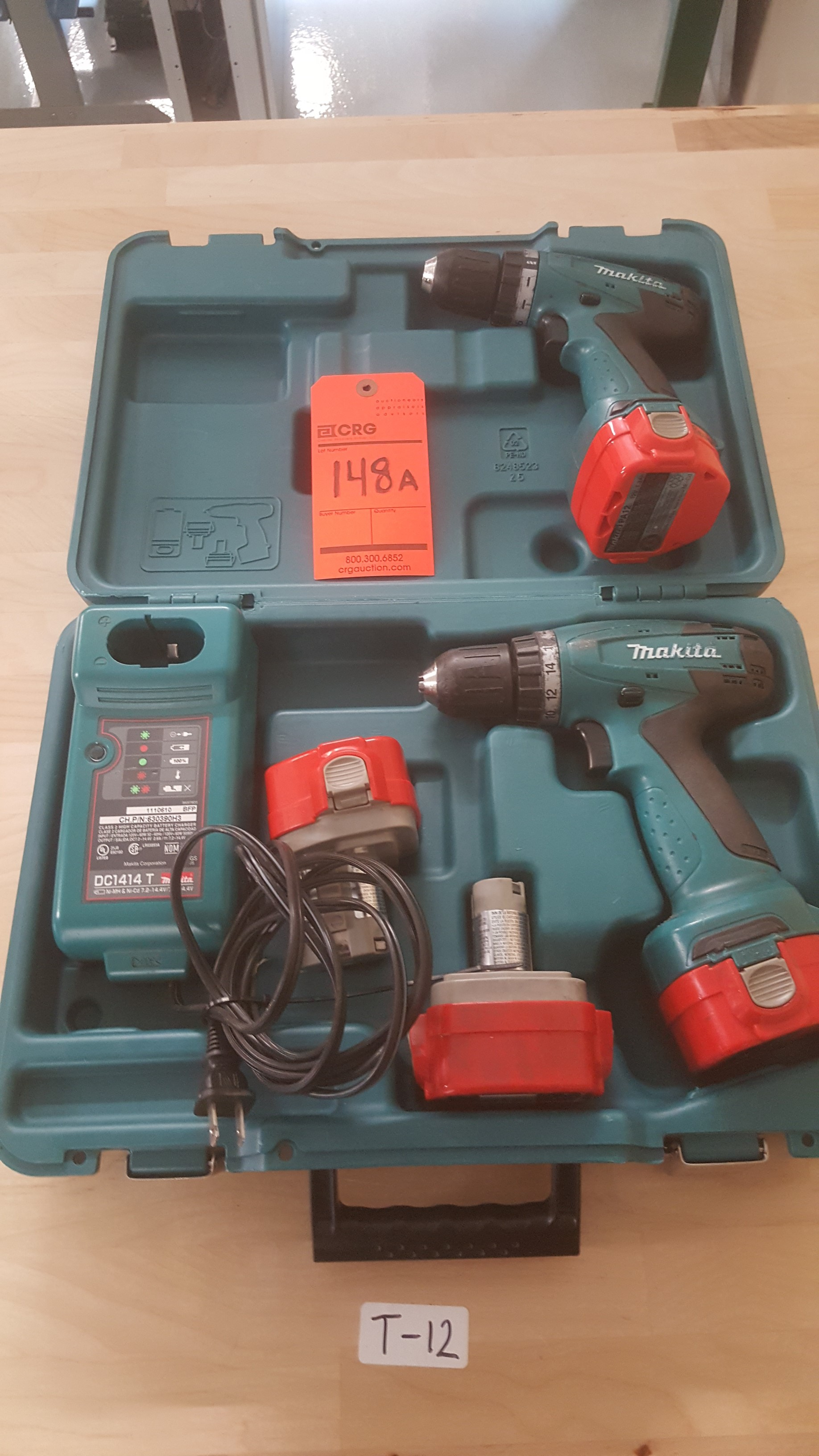 Lot 148A - (2) MAKITA 627D Drill with (4) battery chargers