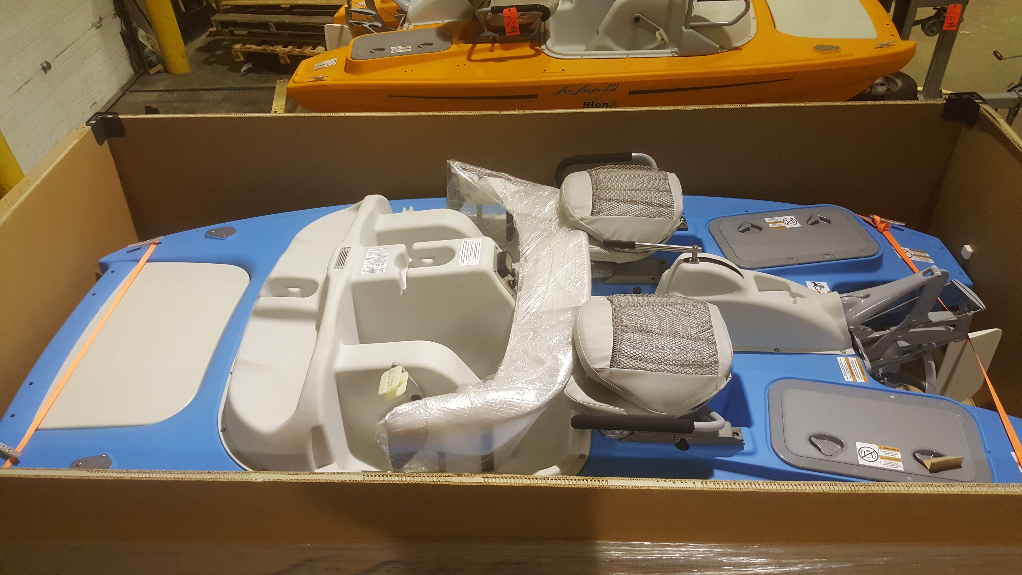 Lot 102 - BIONX SeaScape 12-Pedal electric paddle boat (in crate)