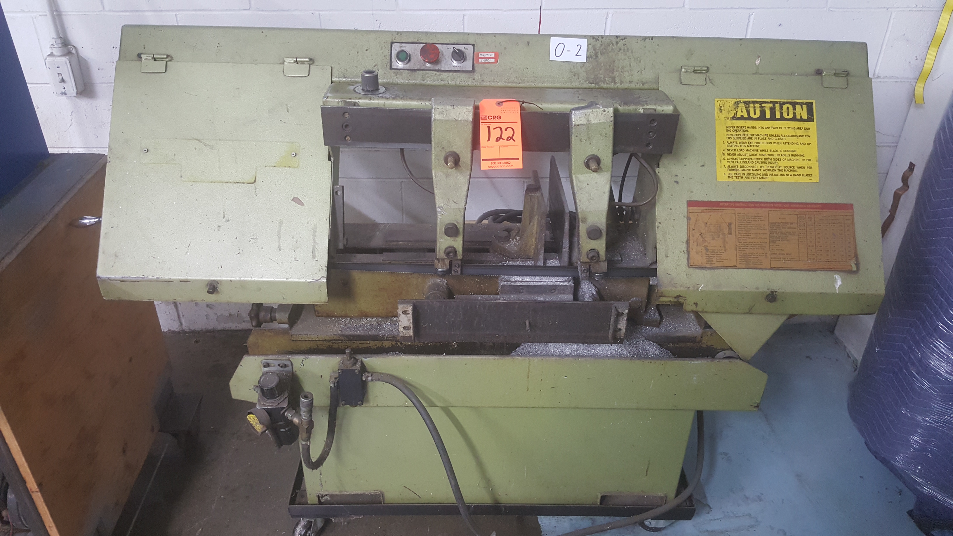 Lot 122 - STERLING horizontal band band saw with pneumatic clamping