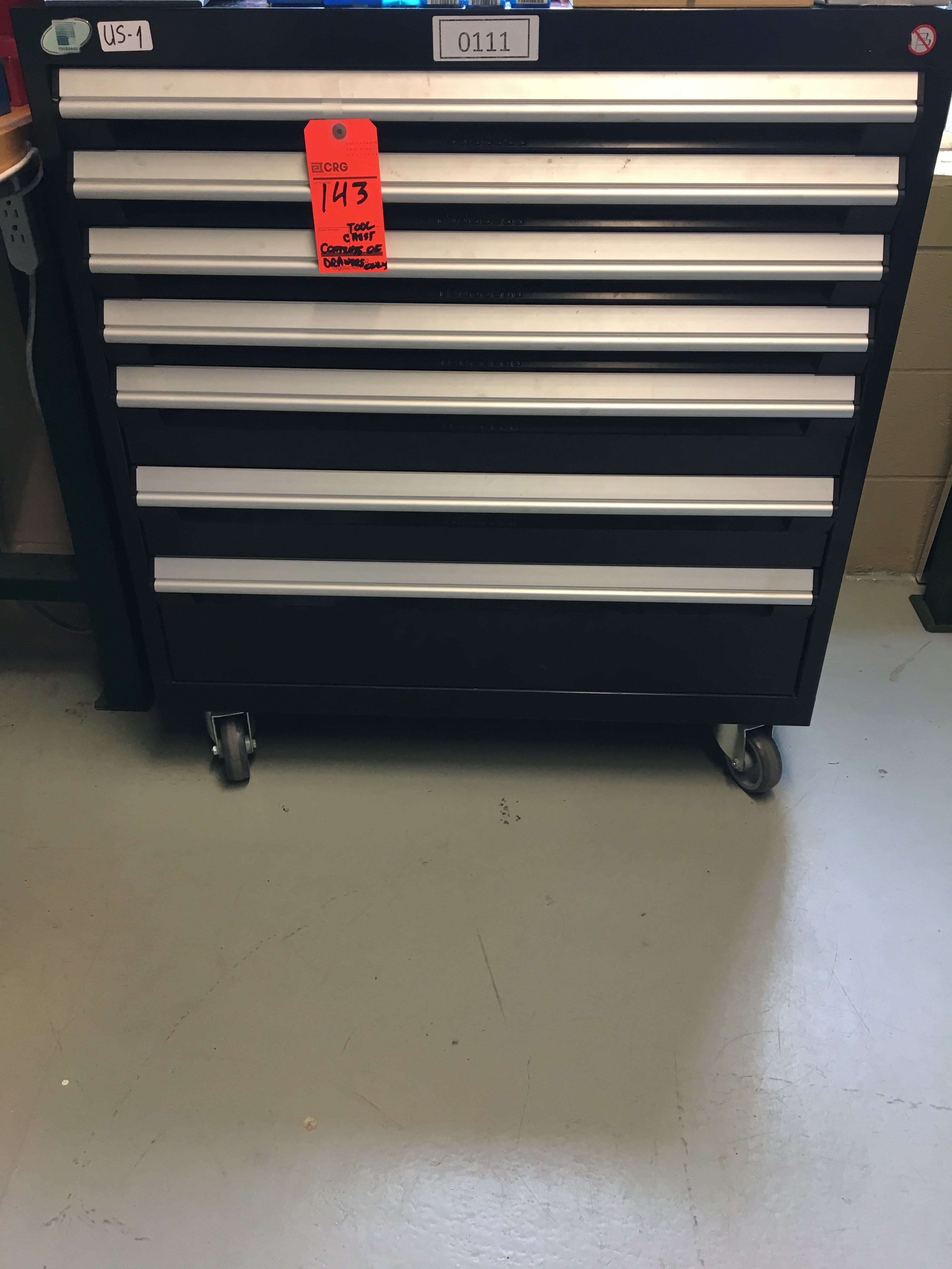 Lot 143 - ROUSSEAU 7-drawer rolling tool chest and all contents
