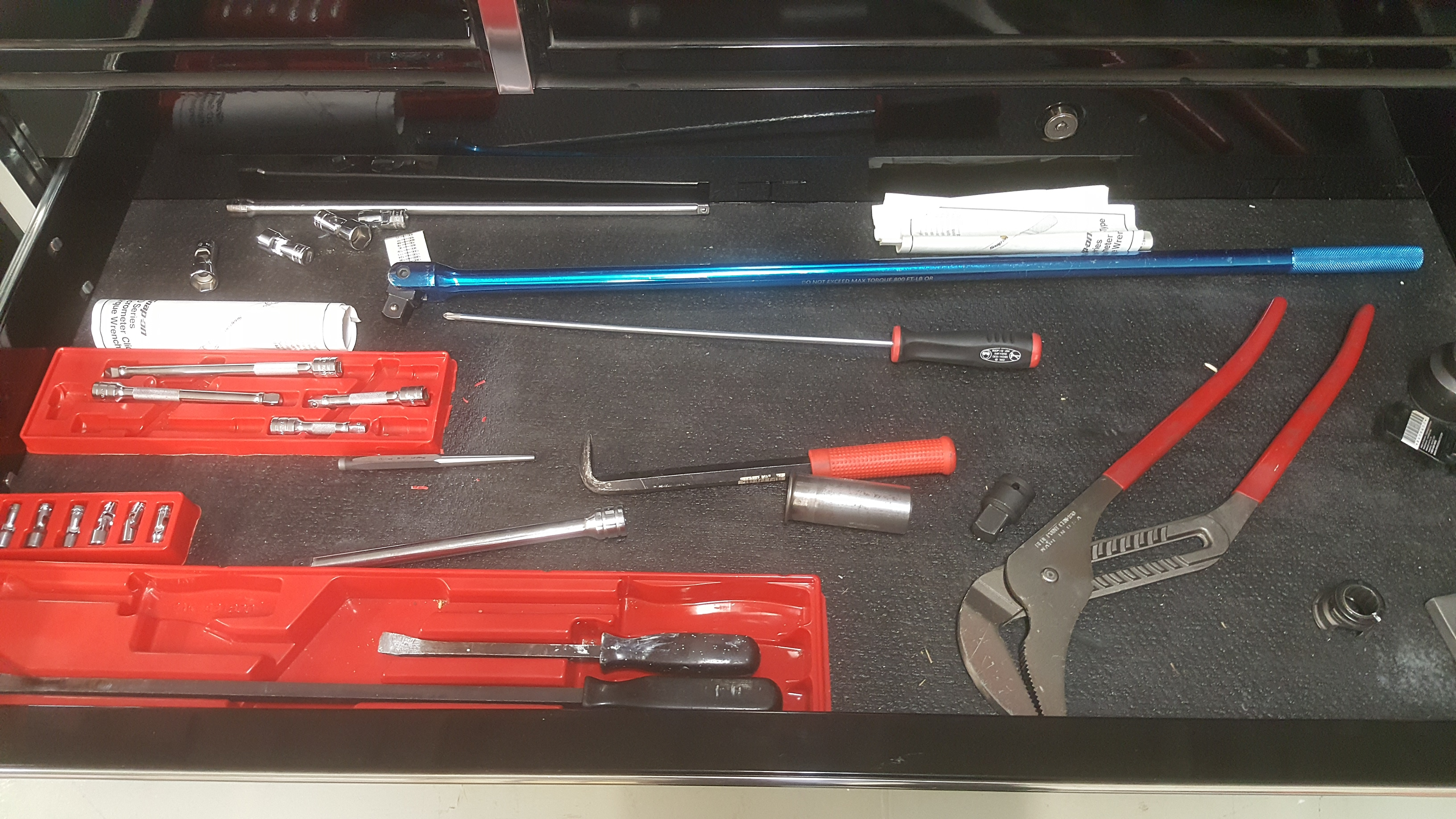 Lot 140 - Set of 2 SNAP ON Tool Chests, mod.KRL773APC mounted on mod.KRL793APC, with 34 drawers and ALL