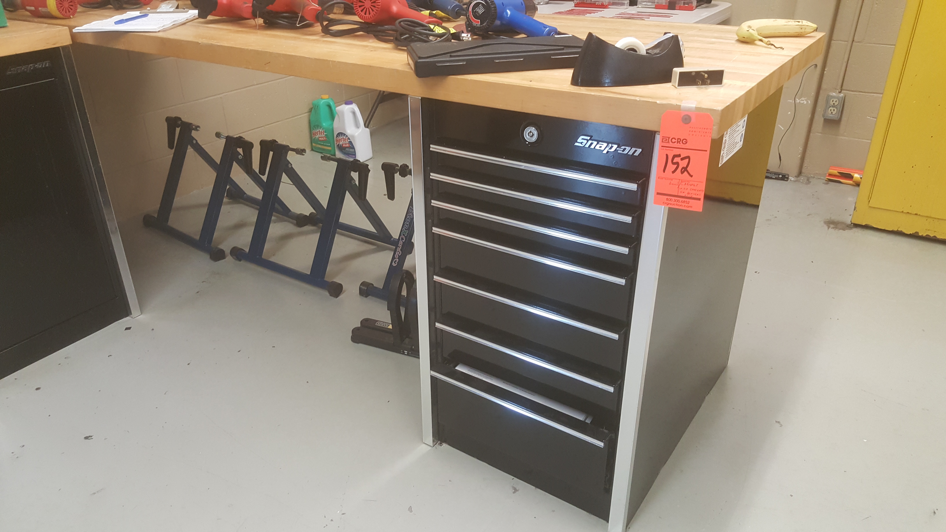 """Lot 152 - SNAPON 72""""x 30"""" butcher block tabletop w/ SNAPON 7-drawer tool chest w/contents"""