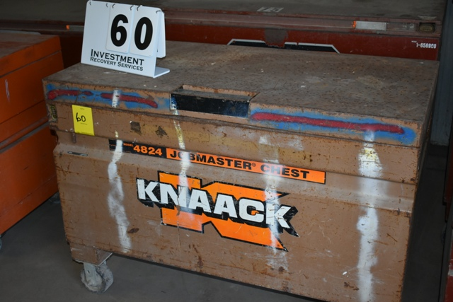 KNAAK HANG BOX W/ CONTS AS SHOWN