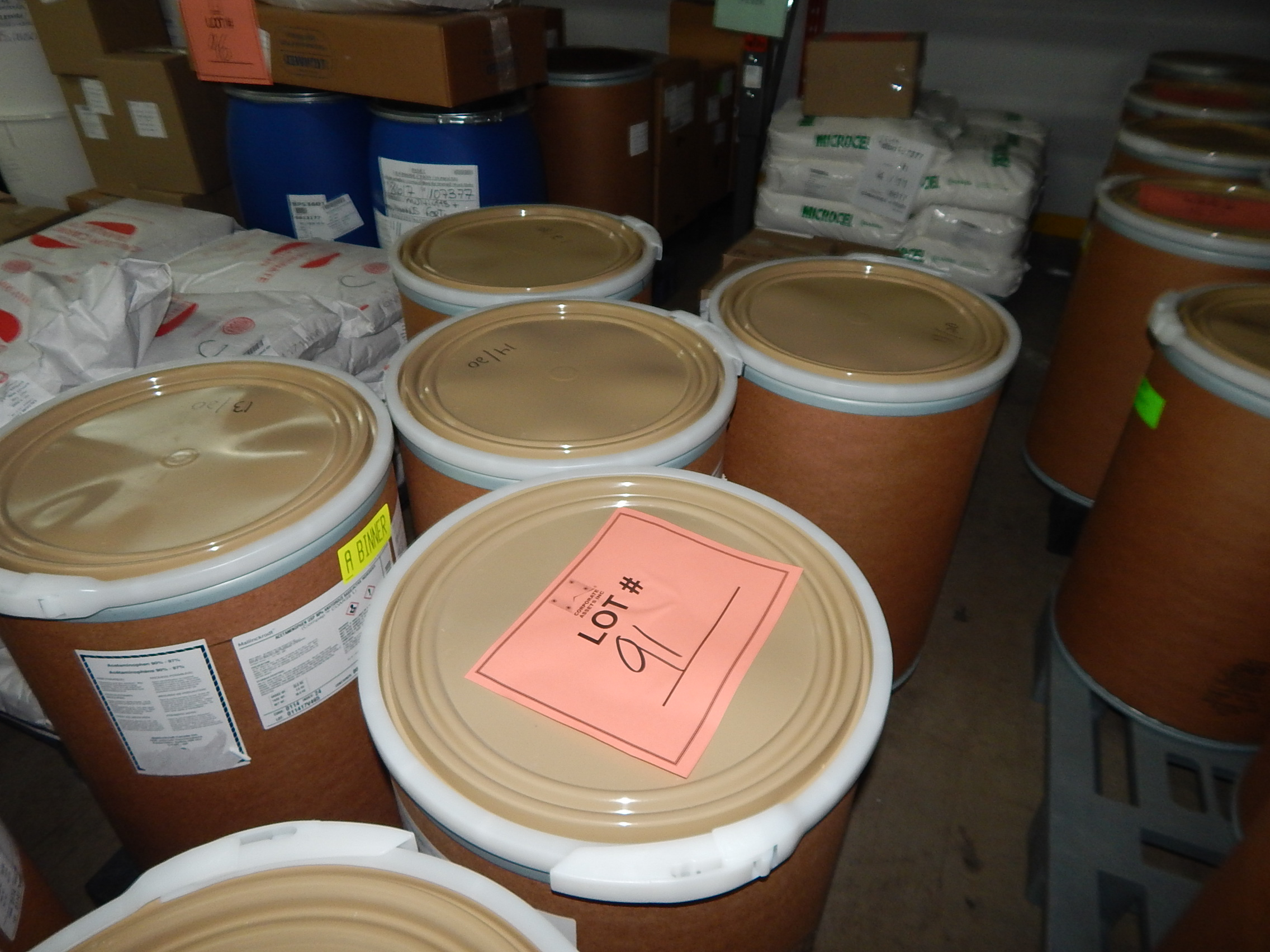 Lot 91 - LOT/ SKID WITH CONTENTS CONSISTING OF 50KG DRUMS OF ACETAMINOPHEN
