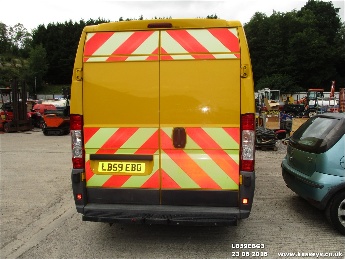 Lot 1504 - 2010 CITROEN RELAY 35HDI FULLY FITTED OUT FOR TYRE FITTING