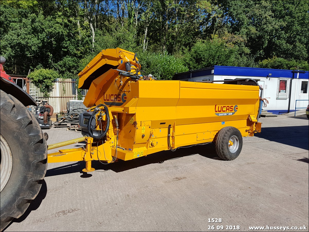 Lot 1528 - LUCAS CASTOR 60R PTO STRAW CHOPPER