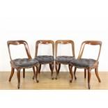 Lot 8014 - Engeland, set van vier mahoniehouten stoelen, 19e eeuw, de zitting met grijze, gecapitonneerde