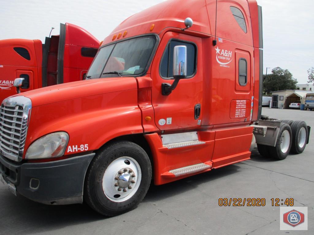 2013 Freightliner Cascadia Cummins ISX