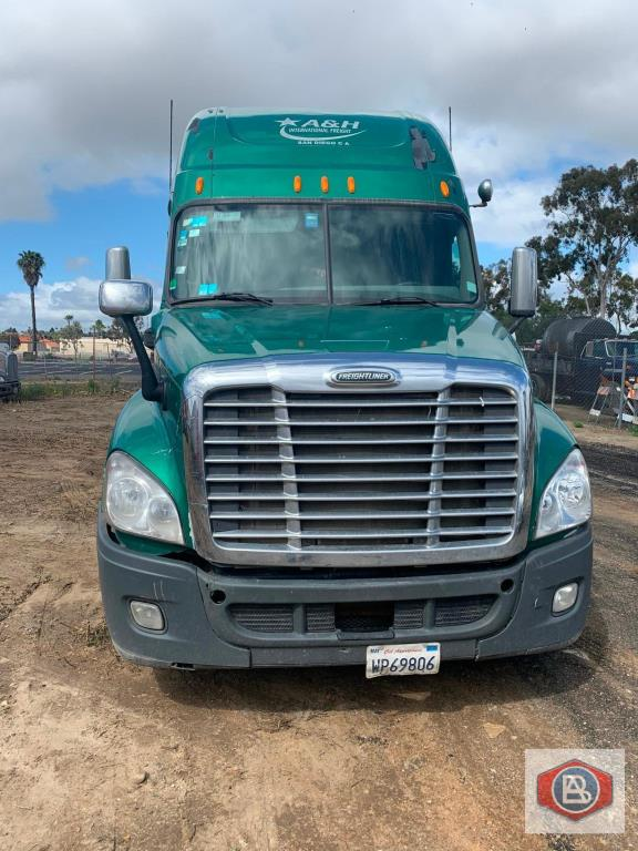 2012 Freightliner, Cascadia, Cummins ISX - Image 2 of 8
