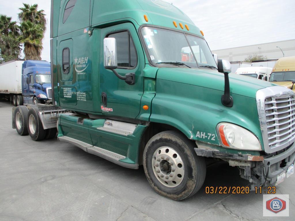 2012 Freightliner, Cascadia Cummins ISX - Image 3 of 8