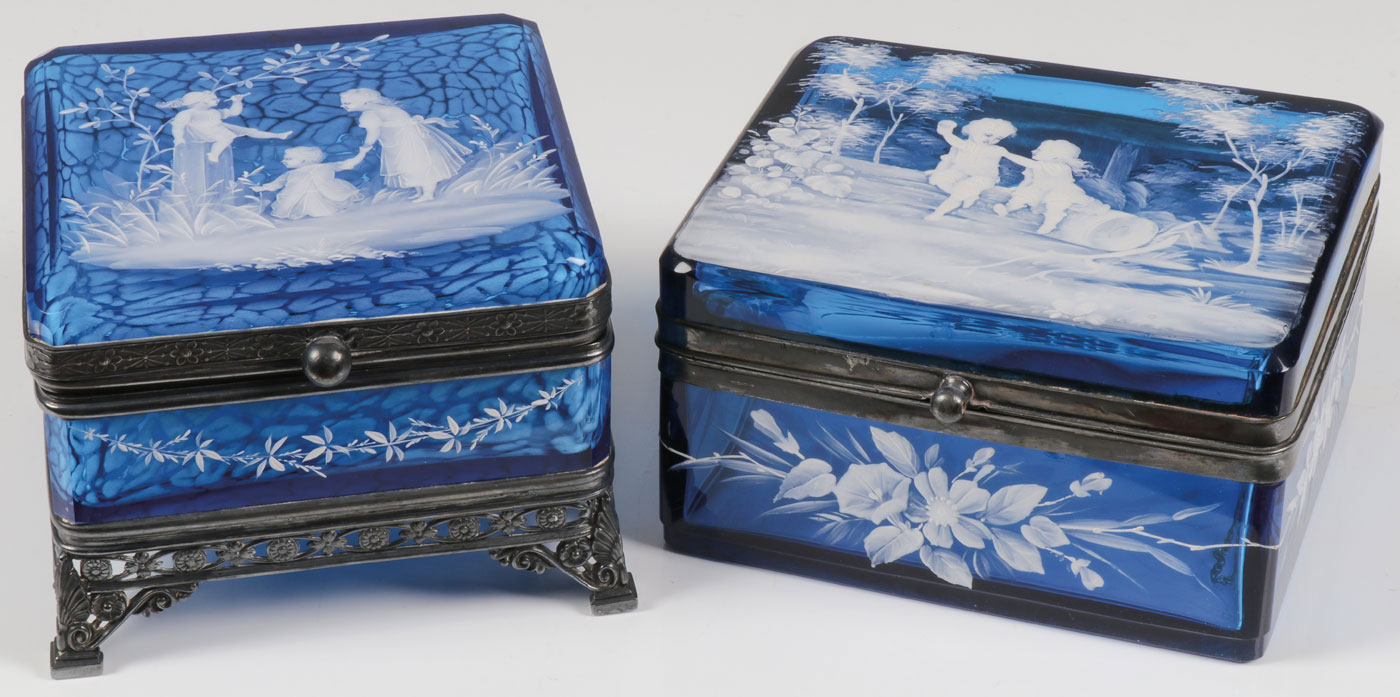 A PAIR OF VERY FINE MARY GREGORY BOXES - Image 2 of 2