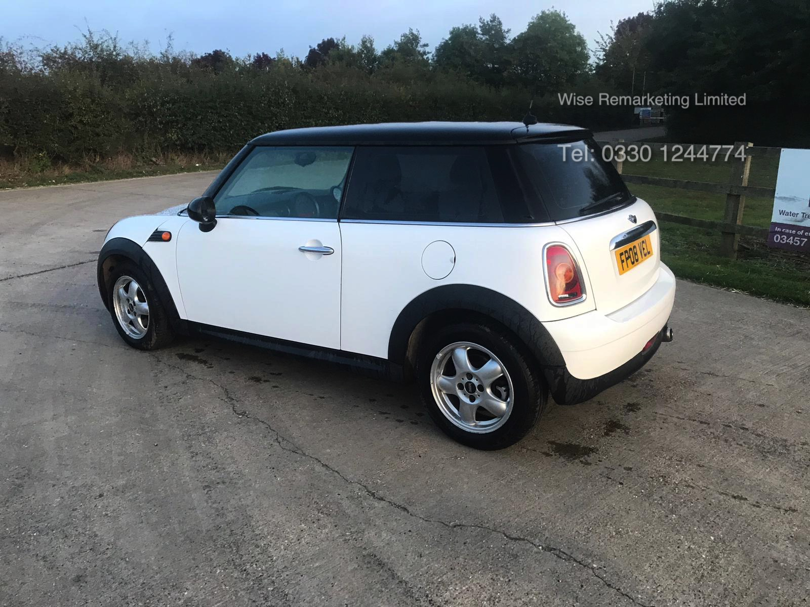 Lot 24 - Mini Cooper Hatchback 1.6 D 3 Door - 2008 - 08 Reg - Service History - White