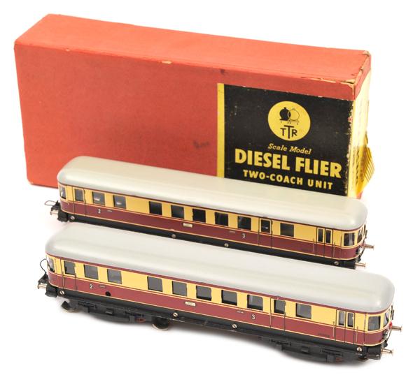 Lot 51 - Continental TRIX HO gauge railway Diesel Flyer (20/58). Comprising a German style two coach unit,