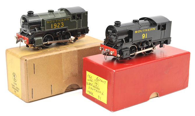 Lot 30 - 2 TRIX OO gauge 0-4-0 tank locomotives.  RN 1923 in Southern olive green livery. Plus a similar