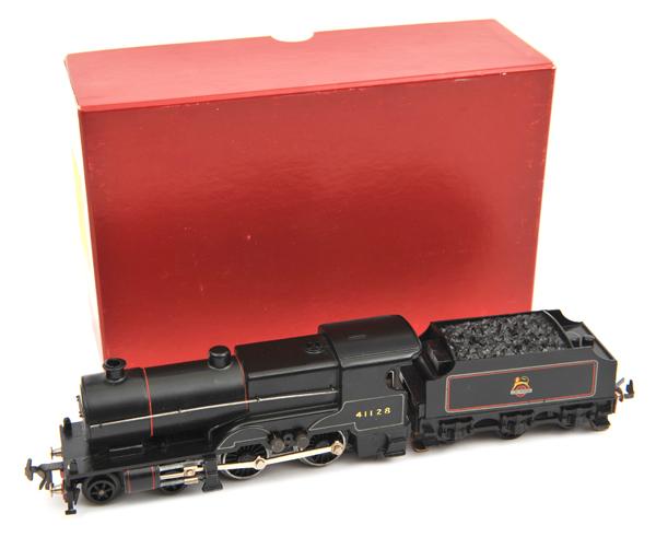 Lot 33 - TRIX OO gauge ex Midland Compound tender locomotive. In BR lined black livery, RN 41128. VGC minor