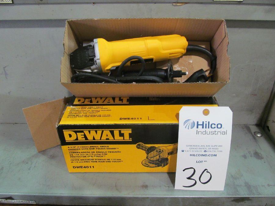 """DeWalt Model DWE4011 4.5"""" Angle Grinder"""