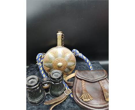 Brass vintage flask, set of French viewers and leather small sporran.