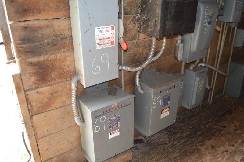 Lot 69 - ELECTRICAL PANEL W/(1) 50 KVAR CAPACITOR; (2) 35 KVAR CAPACITOR; W/(2) 200 AMP DISCONNECT; W/(1) 100