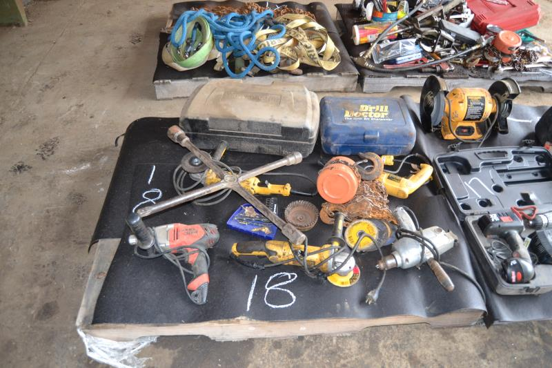 Lot 18 - PALLET OF TOOLS
