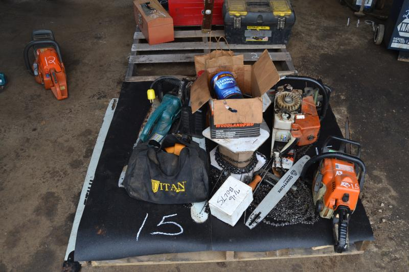 Lot 15 - LOT OF CHAINSAW PARTS