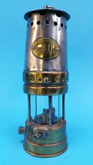 Lot 29 - A Miners lamp, Patterson Type GTL9.