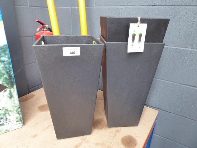 3 rubberized tall pots