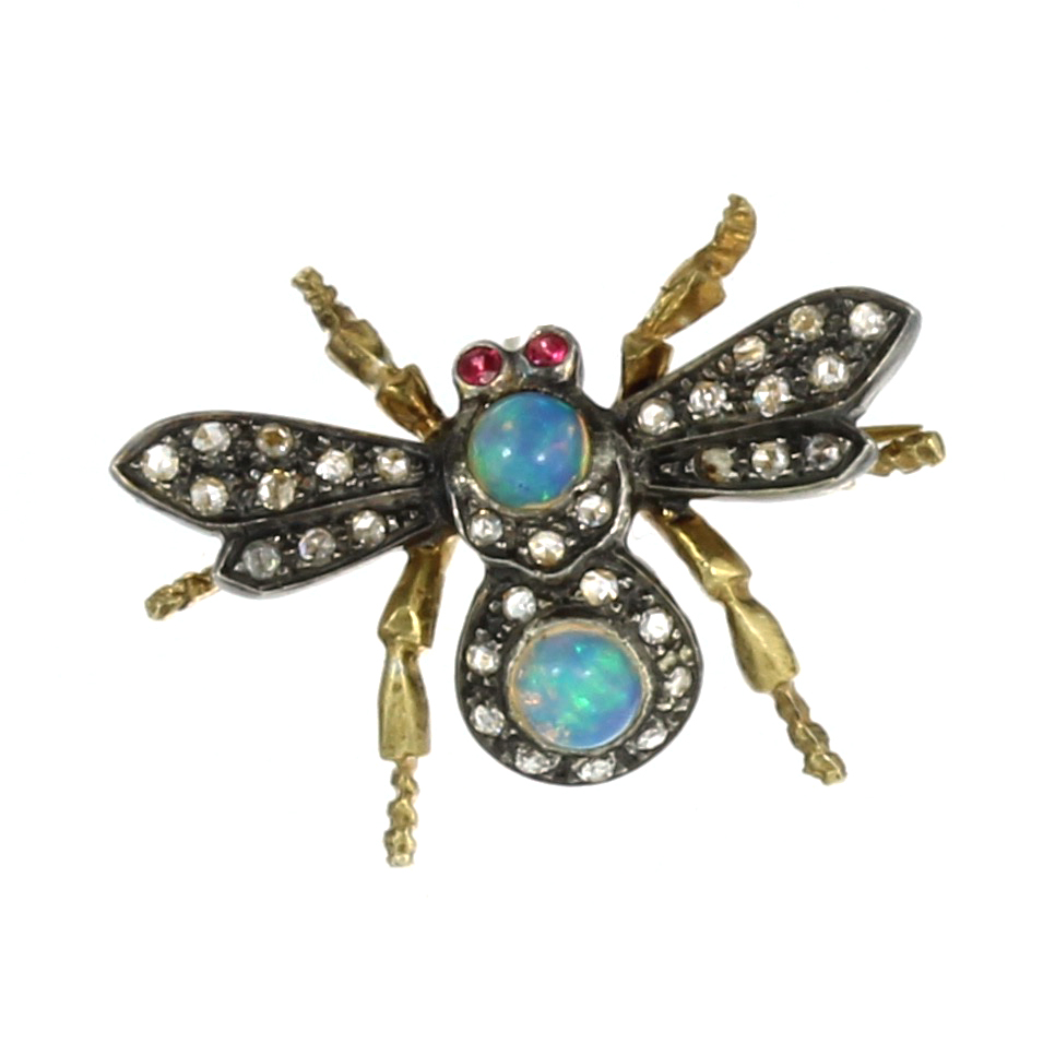 Los 46 - AN OPAL, RUBY AND DIAMOND BEE / INSECT BROOCH designed as a bee, its body jewelled with cabochon