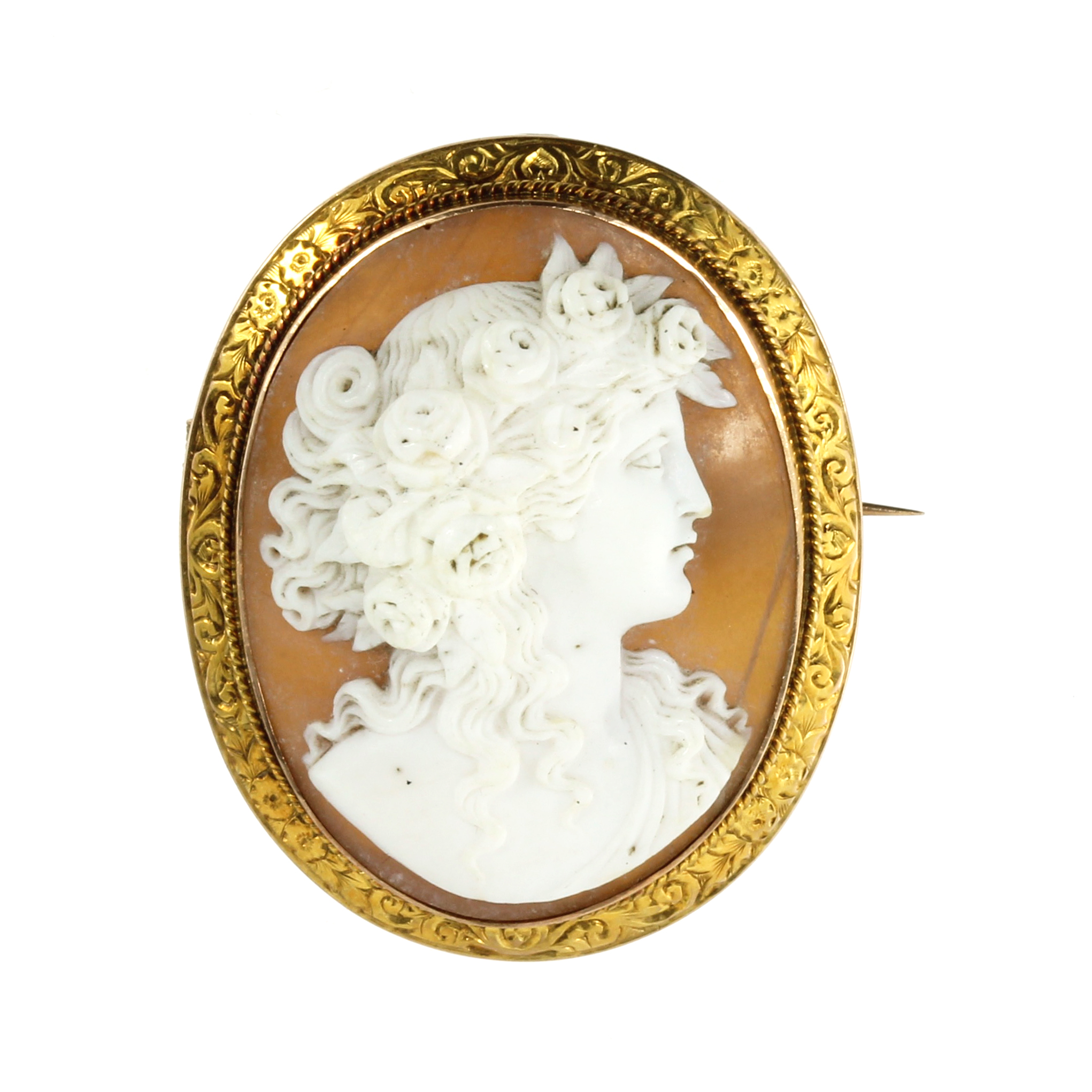 Los 29 - AN ANTIQUE CARVED CAMEO BROOCH set with a carved oval cameo depicting the bust of a lady in profile,