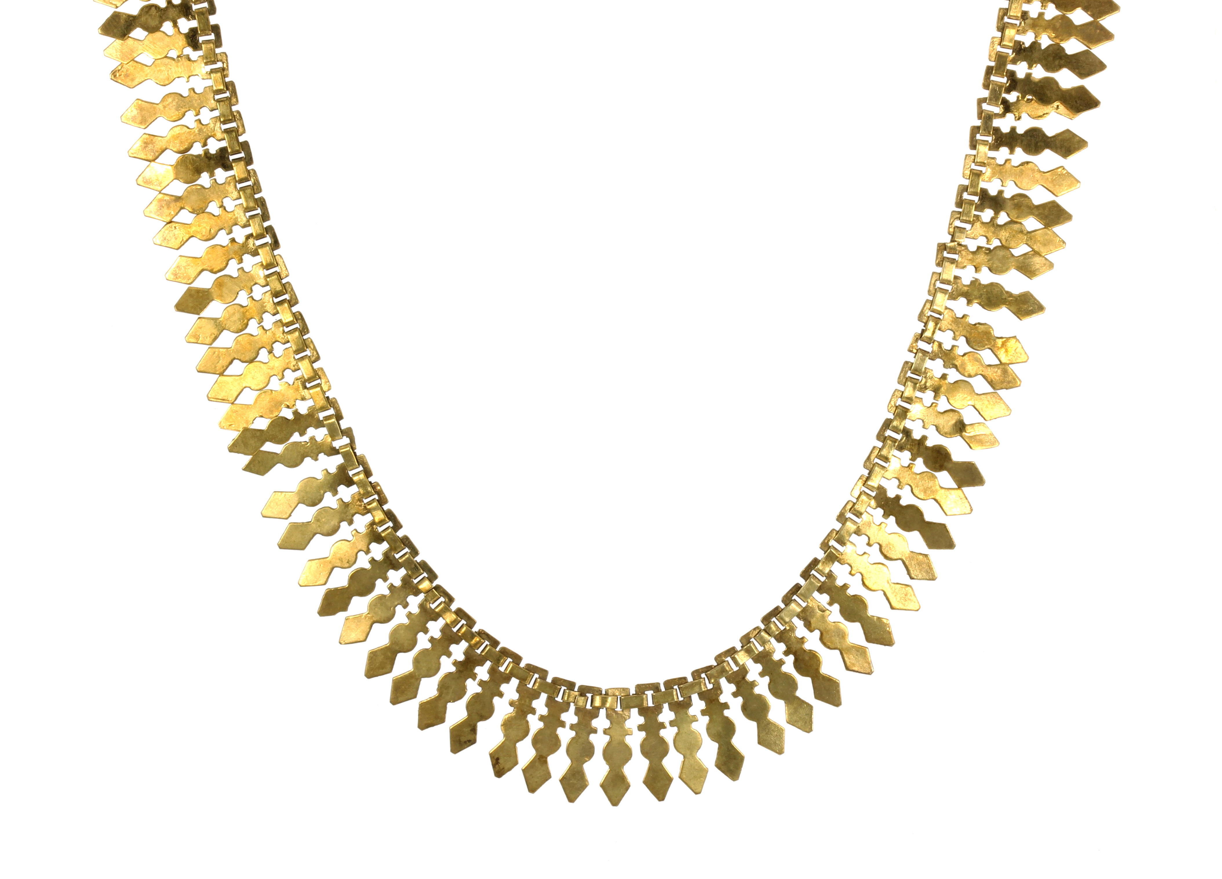 Los 58 - A FANCY LINK NECKLACE comprising a single row of fancy shaped gold links, length 490mm.