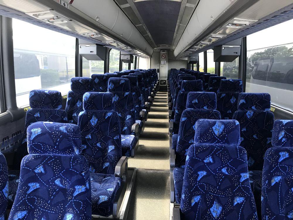 2000 MCI 102 EL3, 56 SEAT PASSENGER COACH BUS - Image 5 of 11